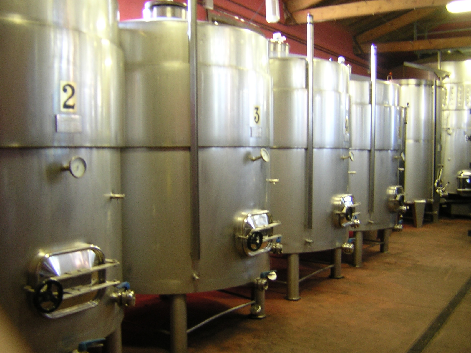 Sociedad vitivinícola Ladrero - Bodega Señorío de Valdesneros - D.O ARLANZA